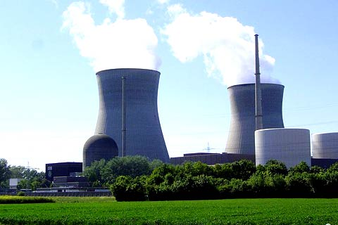 Nuclear power plant, Grundremmingen, Germany/Commons